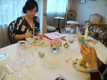 洋食器テーブルコーディネート