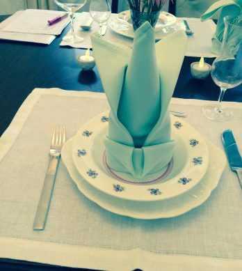 テーブルマナーナプキン