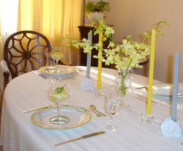 白いテーブルクロスはフォーマル